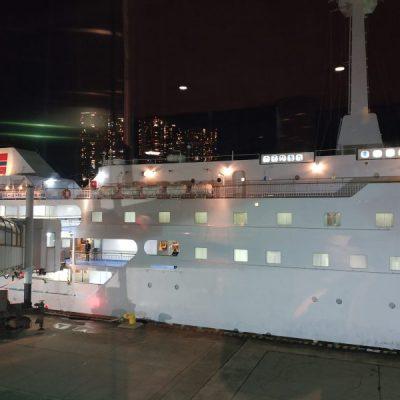 東京から横浜へ遊びに来た人は船に乗って帰るといいですよ